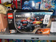 LEGO TECHNIC MODEL CAR