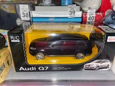 AUDI Q7 REMOTE CONTROL MODEL CAR (NEW)