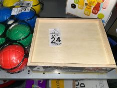 SET OF PUZZLES IN WOODEN BOX