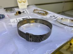 SILVER STAMPED EXPANDING BANGLE