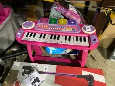 CHAD VALLEY CHILDS PIANO (WORKING)