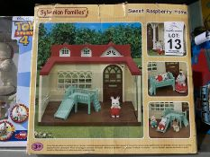 SYLVANIAN FAMILIES SWEET RASPBERRY HOME TOY