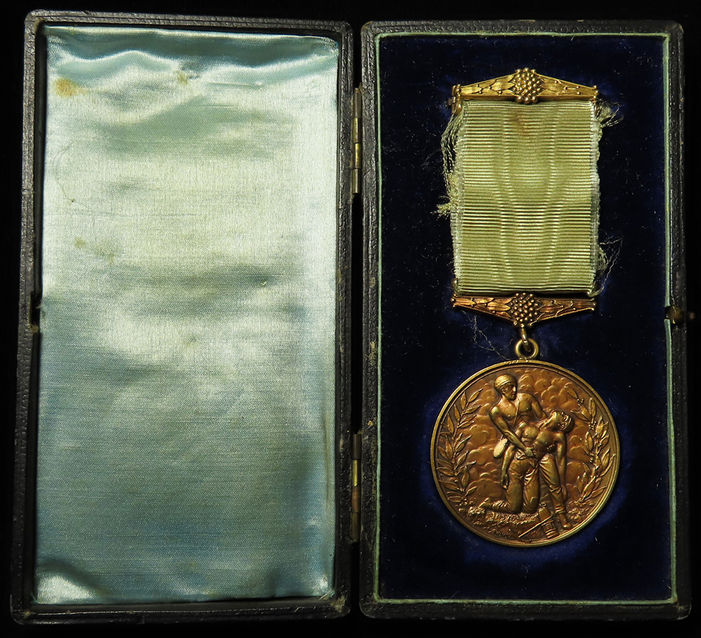 Hamstead Colliery Medal 1908 (15ct Gold hallmarked), engraved to George Warner. In original case,
