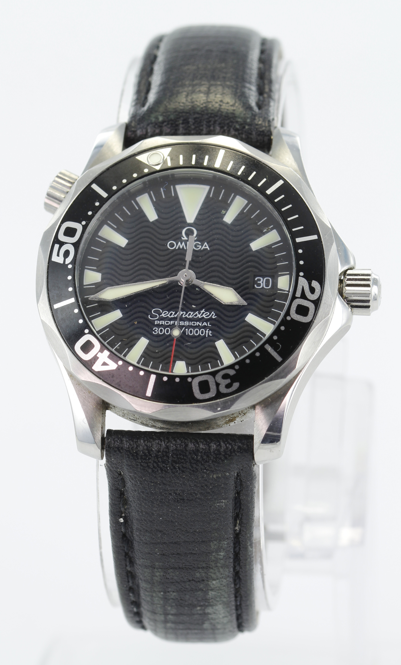 Omega, Seamaster, Ref. 196 1641, Stainless steel cased quartz wristwatch. On an Omega leather strap,