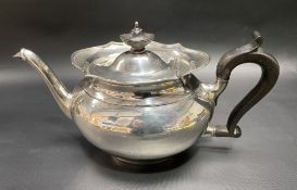A George V silver ovoid teapot, maker TB & S, Sheffield 1912, height 15cm, weight 15.80oz