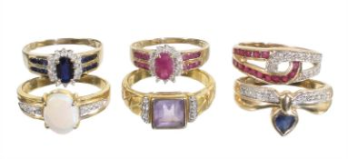 lot: rings (6 pieces):, yelow gold 333/000, 1 opal ring, 2 sapphire rings, 1 amethyst ring and 2