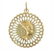 "pendant ""NOFRETETE"", yelow gold 750/000, both sides with a relieflike presentation of Nefertiti,"