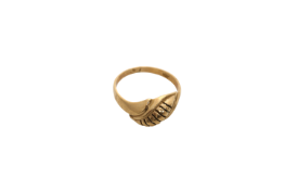 A Lady's Constantinople gold ring. Approx: 3 gr.