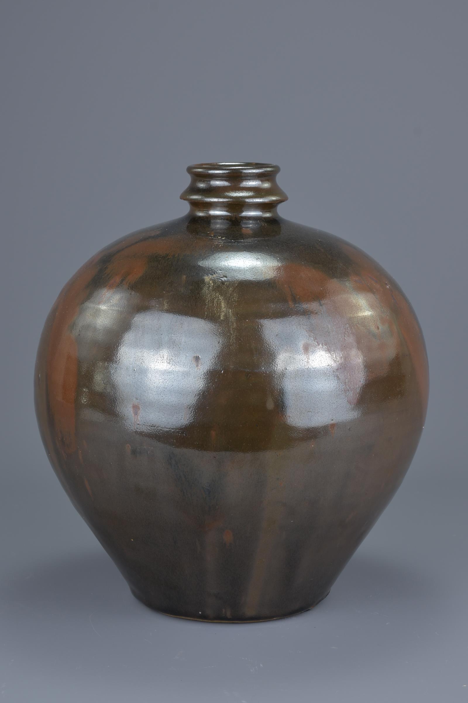 Lot 11 - A Fine Chinese Cizhou type Ovoid Bottle – Jin / Yuan Dynasty