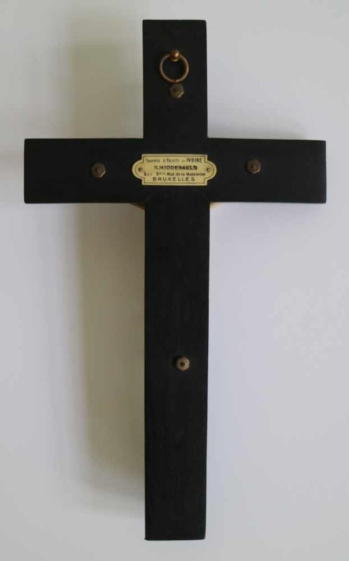 Corpus Christi ivory verso plaque R. Middegaels Bruxelles H 25 B 14 cm (H corpus christi 10 cm) - Bild 3 aus 3