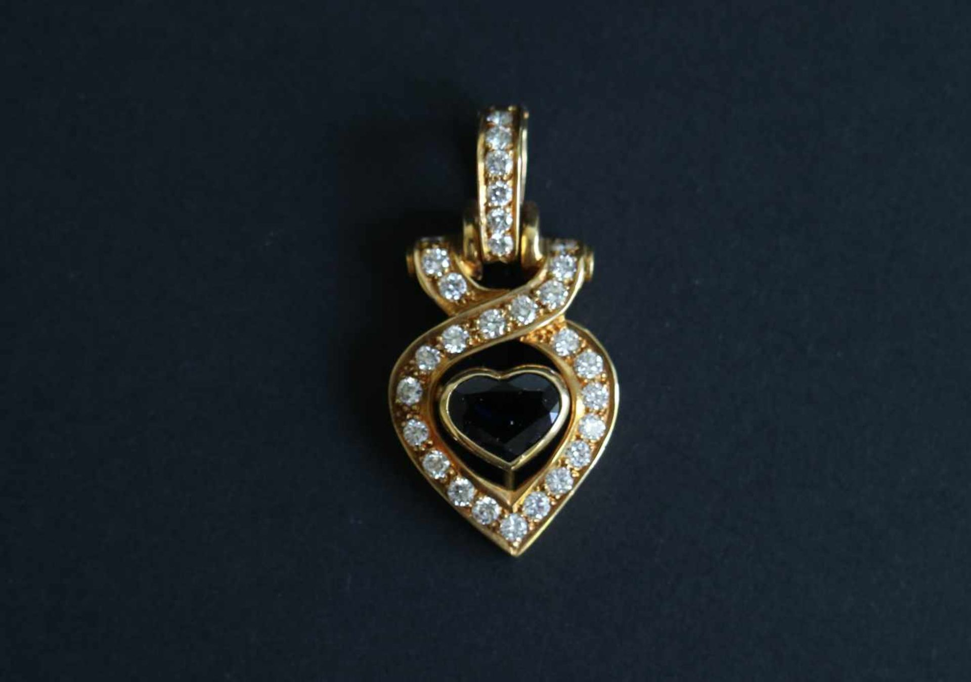 Los 941 - Pendant with blue sapphire 1.1 carat diamond, gold 18 Kt, quality VS / F-G