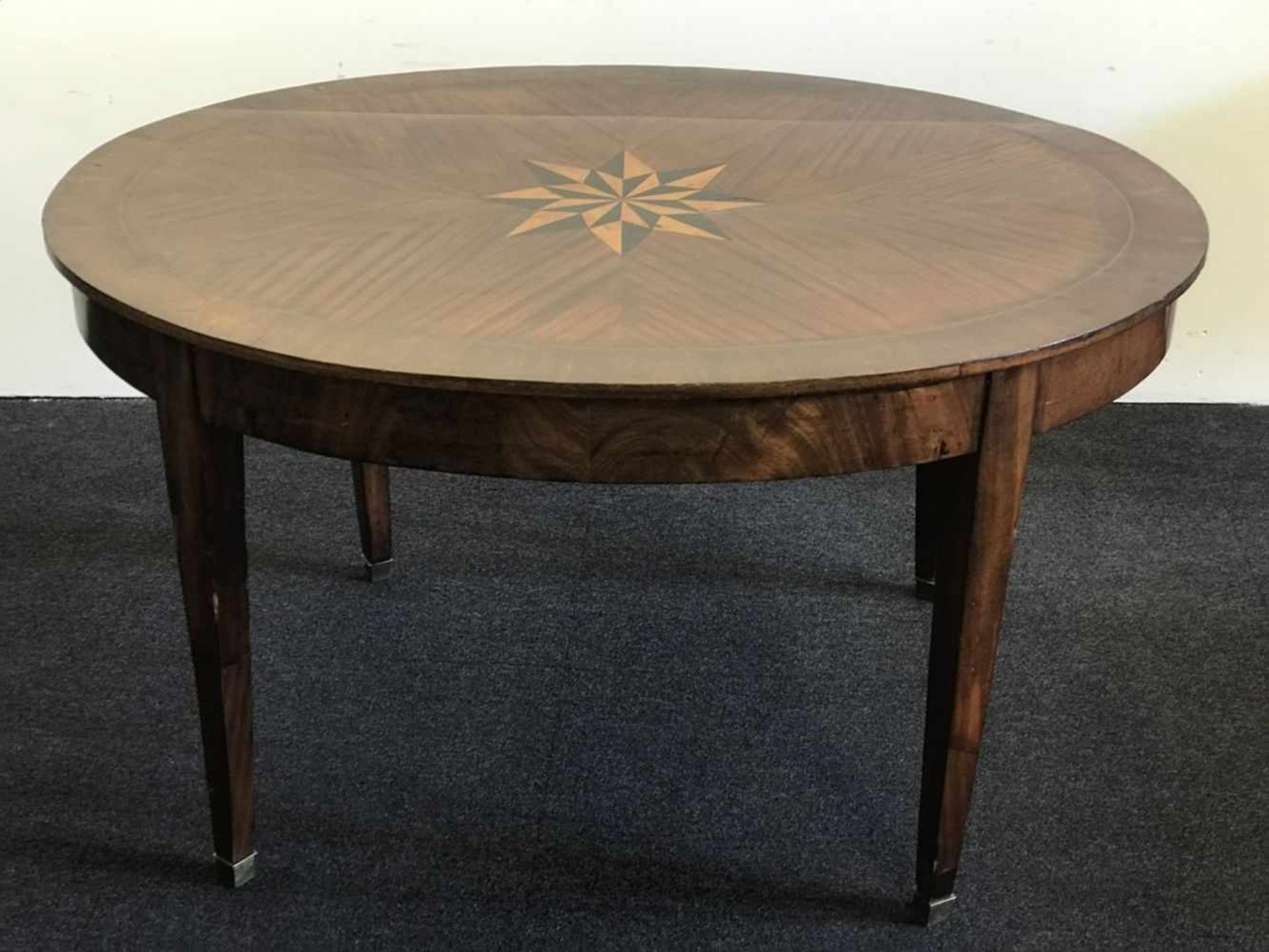 Los 100 - Round table 19th century acajou with marquetry