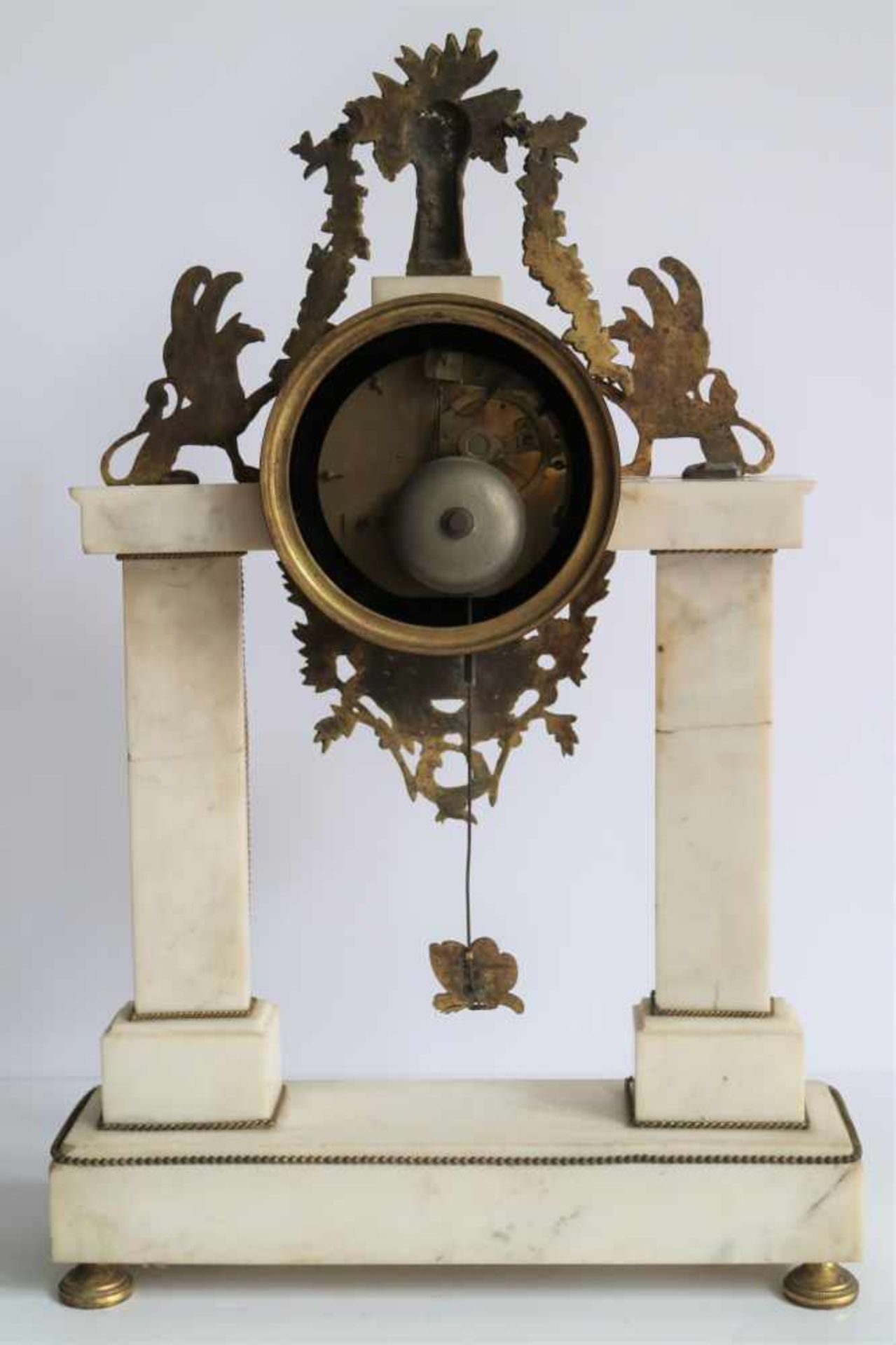 Los 339 - Louis XVI clock white marble with ormolu decoration H 50,5 cm