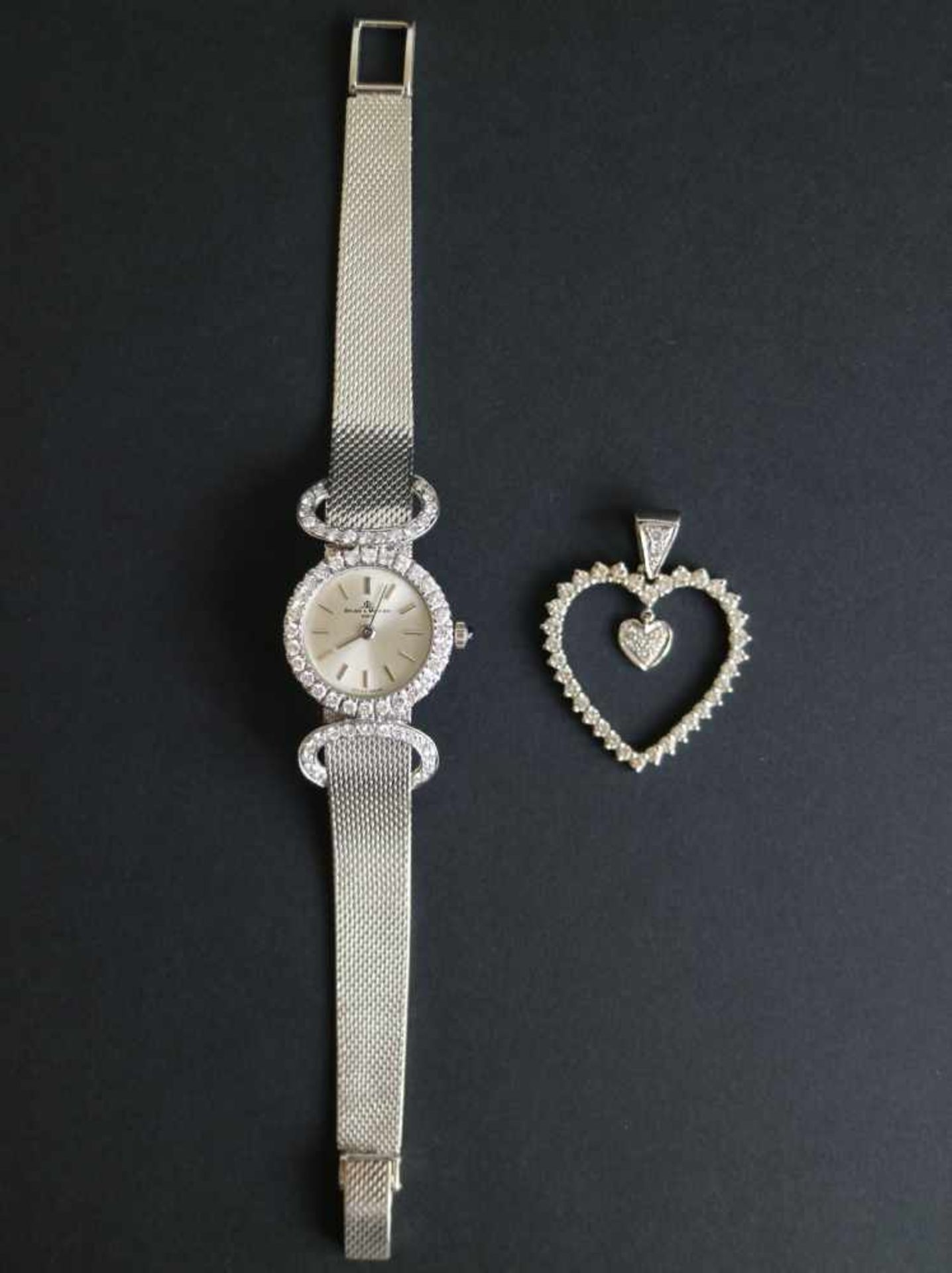 Los 946 - Beaume & Mercier ladies timepiece approx. 35 g with diamond 1.4 Kt and pendant heart with brilliant