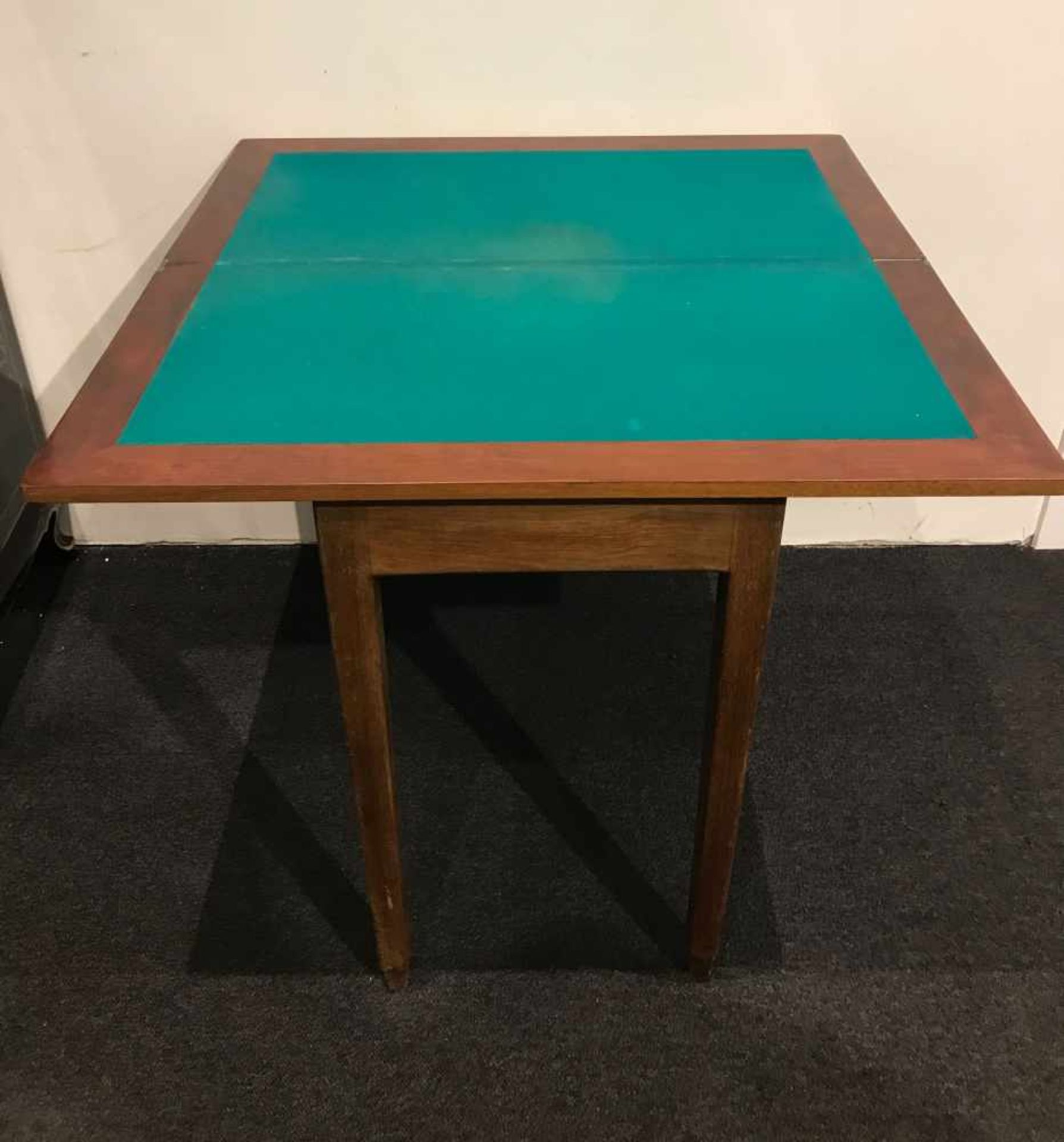 Los 104 - Card table card table H 84 L 84 x 84 cm (open)