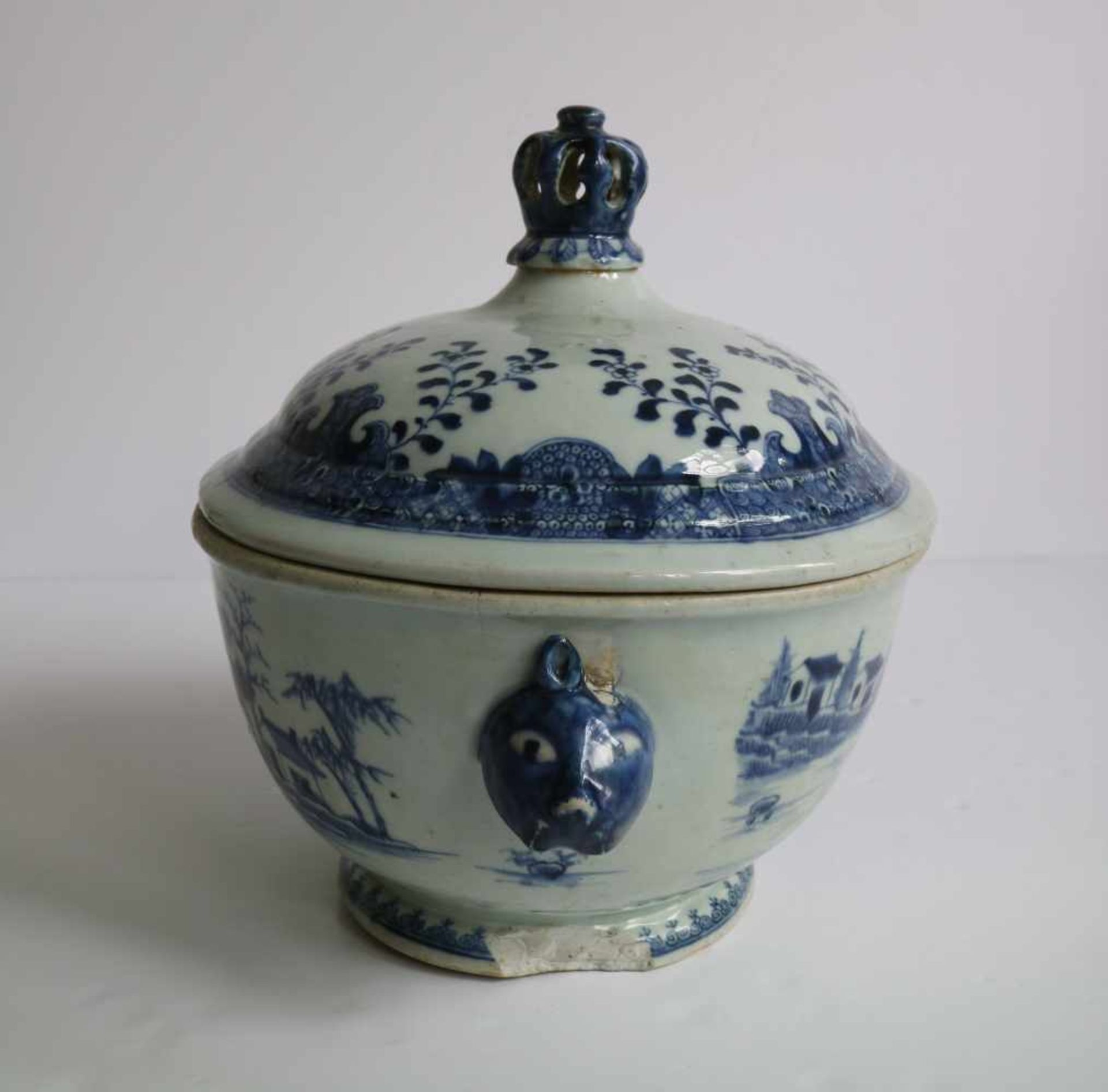 Los 666 - Chinese lidded bowl blue/white 19th century 34 x 24 x 24 cm hairline and damage