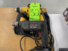 "(1) DeWalt 3/8"" VSR Drill with Bag and (1) Skill 6345 1/2"" Drill"
