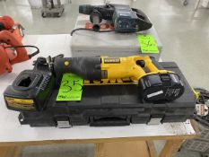 DeWalt Variable Speed Reciprocating Saw 18v with Batteries, Charger, and Carrying Case