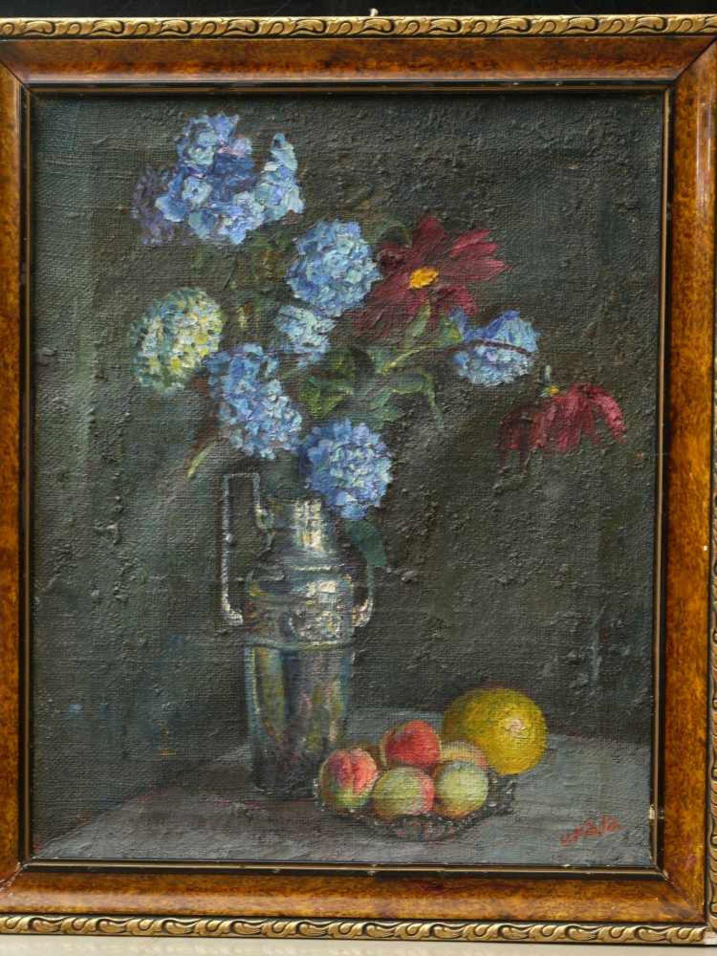 Fiala, Vaclav (1896-1980) - Stillleben mit Vase und FrüchtenAnsicht einer hohen, silbernen - Bild 2 aus 8