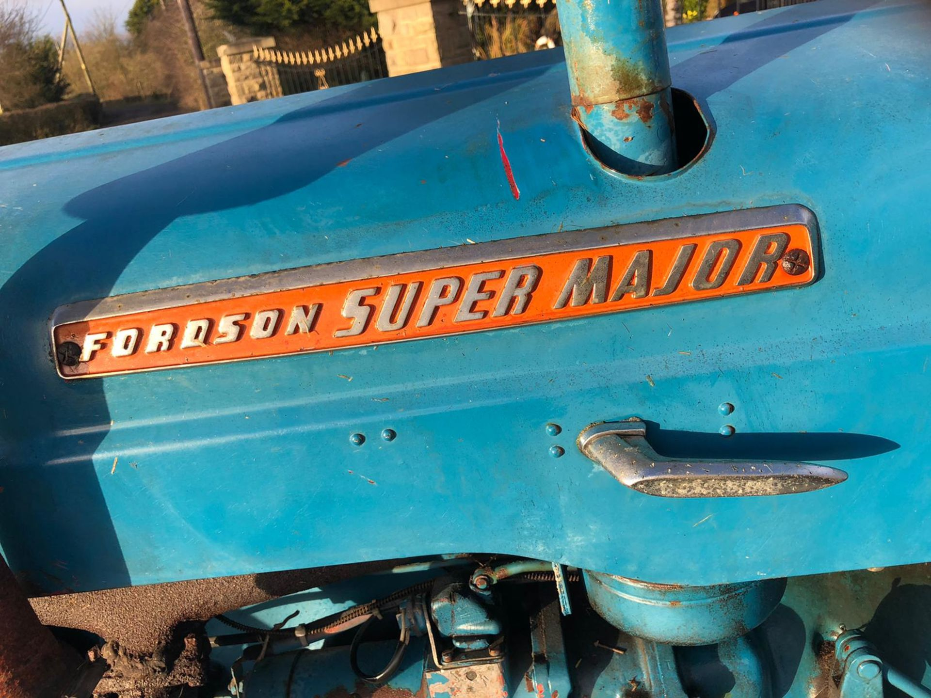 Lot 82 - FORDSON SUPER MAJOR VINTAGE TRACTOR, RUNS AND WORKS WELL *PLUS VAT*