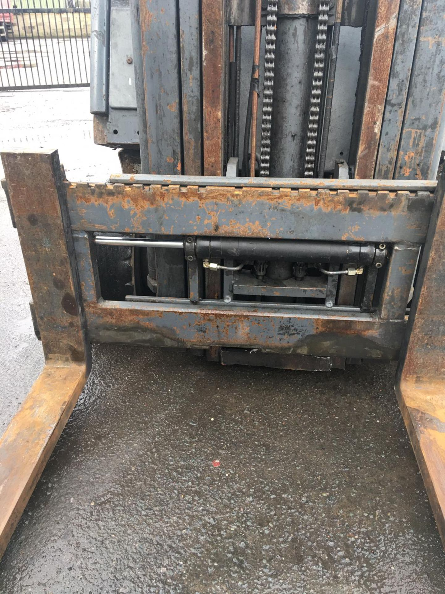 Lot 62 - FIAT D20 FORKLIFT WITH SIDE SHIFT, 3 STAGE MAST, 2000 KG CAPACITY, YEAR 1995 *NO VAT*