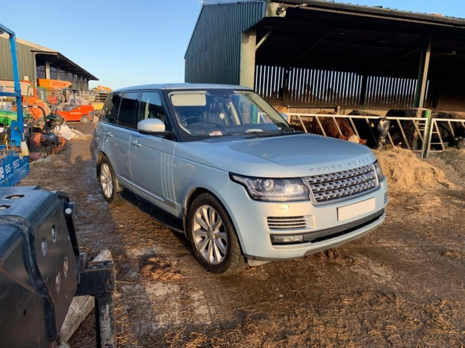 Lot 55 - 2015/15 REG LAND ROVER RANGE ROVER VOGUE SE SDV8 4.4L SILVER DIESEL 4X4, SHOWING 1 FORMER KEEPER