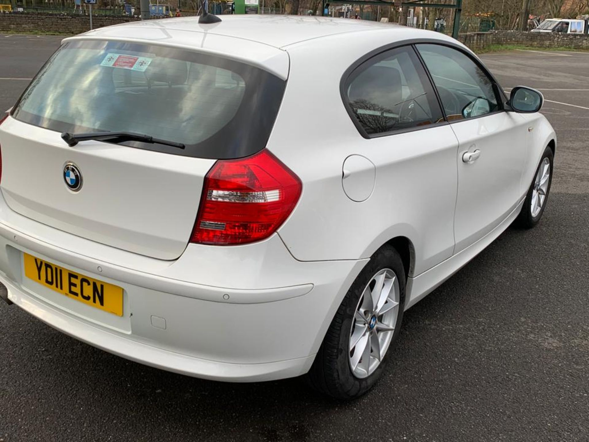 Lot 12 - 2011/11 REG BMW 116D SE 2.0 DIESEL WHITE 3 DOOR HATCHBACK, SHOWING 2 FORMER KEEPERS *NO VAT*