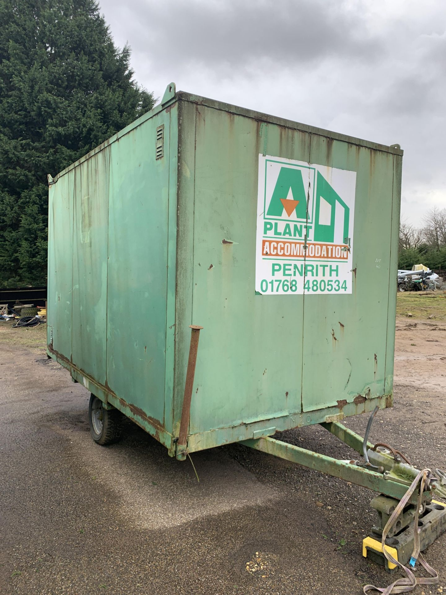 Lot 28 - SINGLE AXLE TOW-ABLE WELFARE WAGON CABIN BOX TRAILER, SOLID NEEDS INTERNAL REFURB- CHEAP *PLUS VAT*