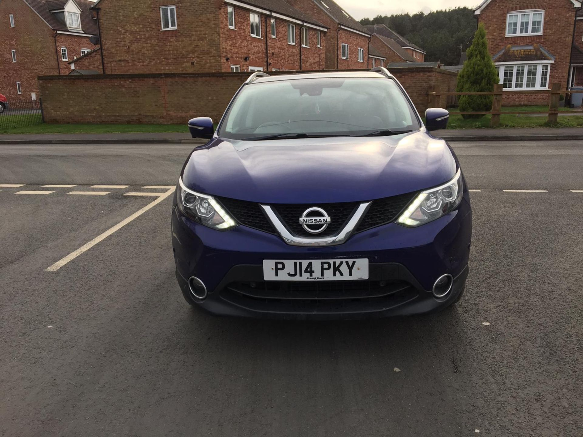 Lot 13 - 2014/14 REG NISSAN QASHQAI TEKNA DCI 1.5 DIESEL BLUE 5 DOOR HATCHBACK, SHOWING 3 FORMER KEEPERS