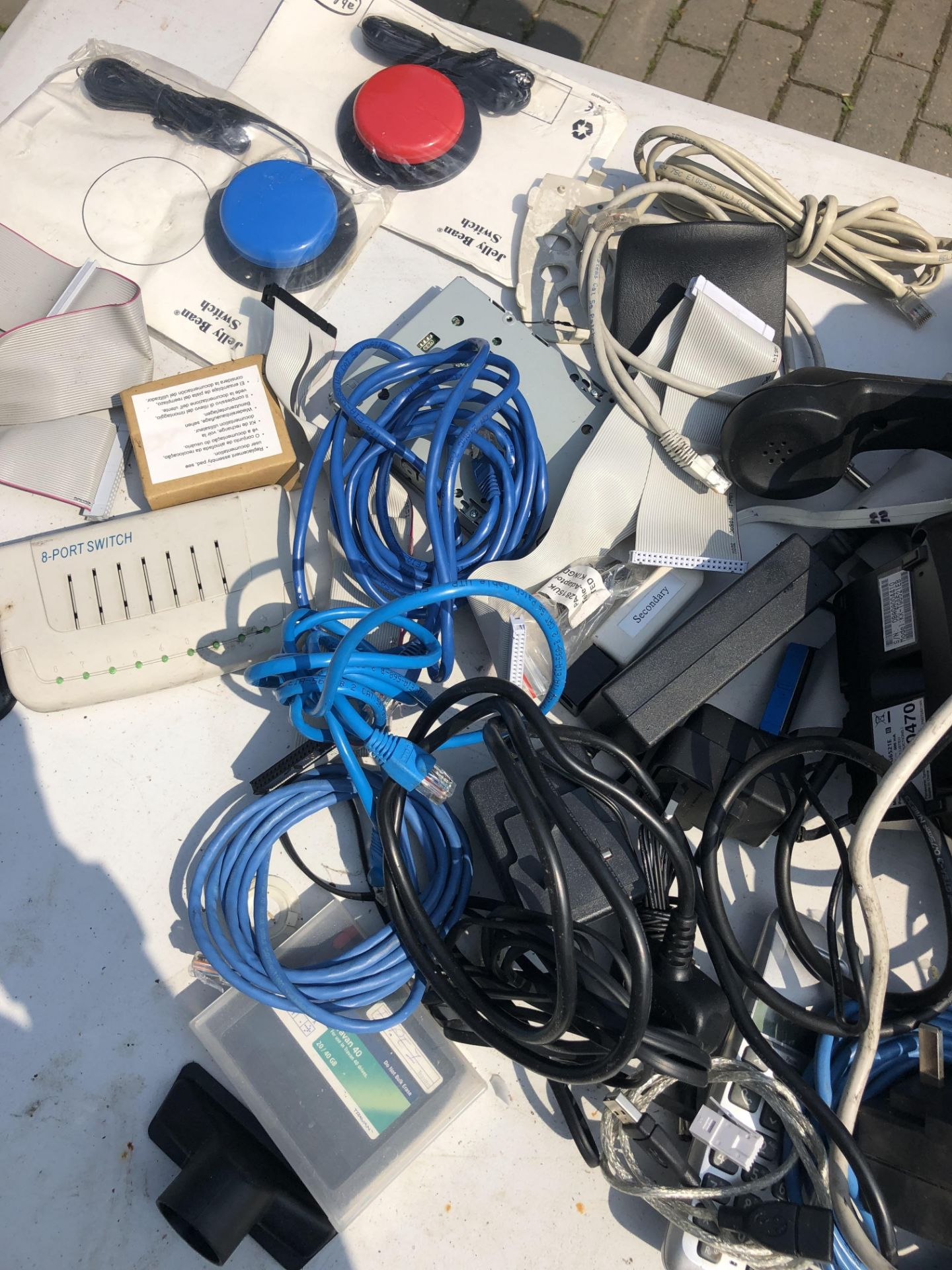 JOB LOT OF OFFICE EQUIPMENT INCLUDES PHONES MODEMS ETHERNET CABLES LAPTOP CHARGERS ETC - Image 4 of 5