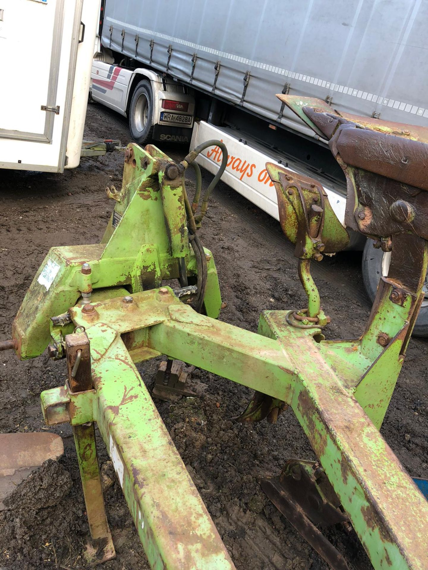 Lot 39 - DOWDESWELL DP8B 4 FURROW PLOUGH IN GOOD CONDITION, NO WELD *PLUS VAT*