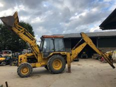 1988/E REG JCB 3CX TRACTOR WITH FRONT LOADING SHOVEL AND REAR DIGGER / BACK HOE *PLUS VAT*