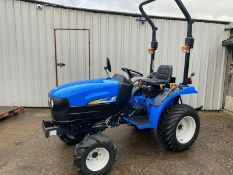 COMPACT TRACTOR NEW HOLLAND TC24D, 4 X 4, ONLY 368 HOURS GENUINE FROM NEW, HYDROSTATIC DRIVE