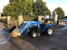 NEW HOLLAND TC21D COMPACT TRACTOR, C/W FRONT LOADER ATTACHMENT, RUNS, DRIVES AND LIFTS *PLUS VAT*