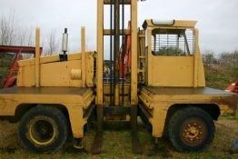 LANCER BOSS 4/88D16 FORKLIFT, FITTED WITH A PERKINS 236 4 CYLINDER DIESEL ENGINE *PLUS VAT*