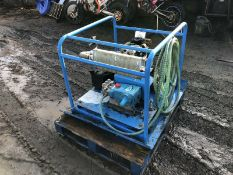 RUGGERINI 2 CYLINDER ELECTRIC START DIESEL JET WASH, CAT1051 PUMP (2200 PSI, 10GPM) VERY LITTLE USE