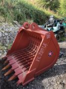 BRAND NEW RIDDLE BUCKET, 80MM PINS, 56 INCH WIDE BUCKET, suit 15-21 TON MACHINES CHOICE *PLUS VAT*