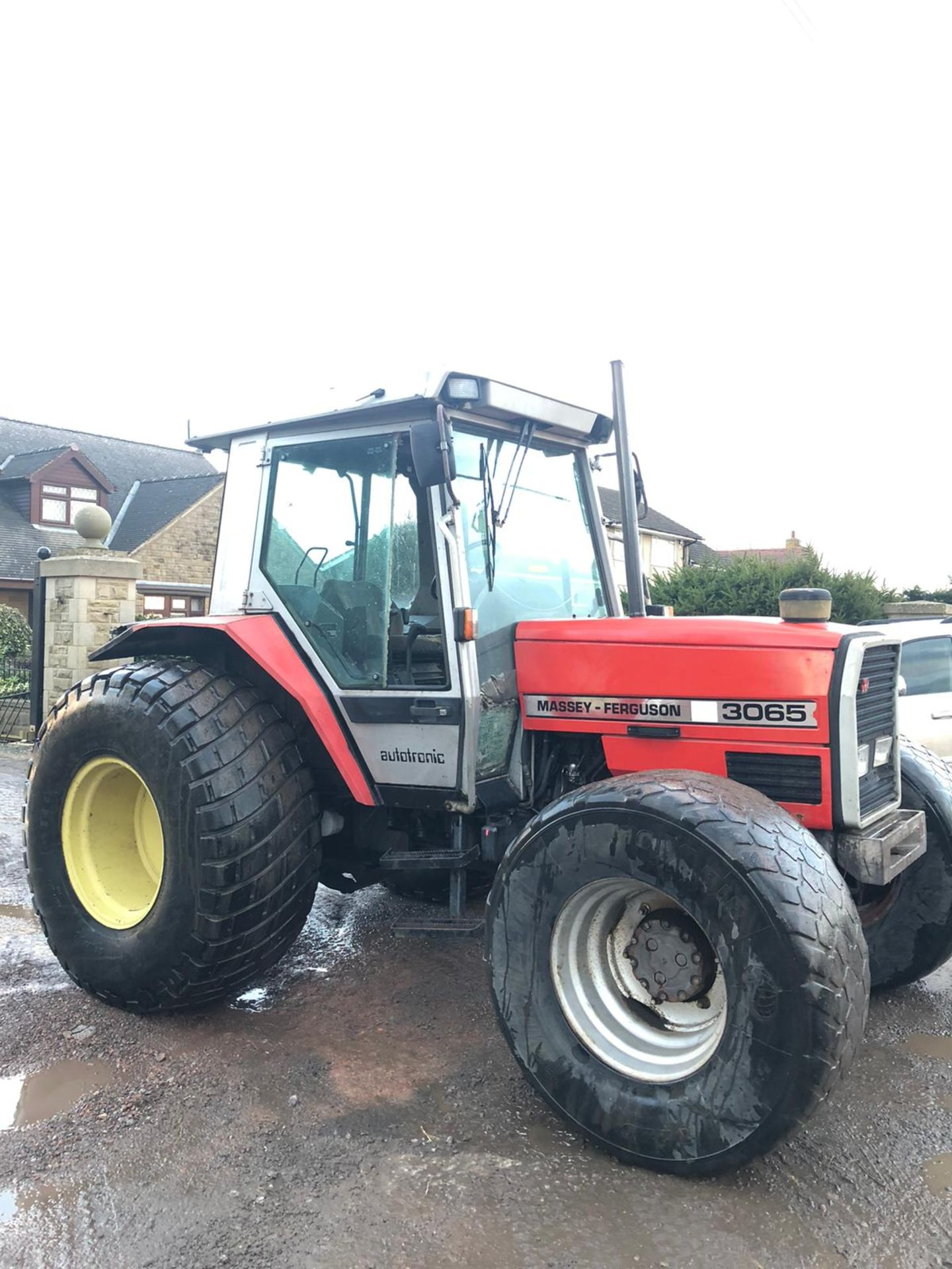 Lot 45 - MASSEY FERGUSON 3065 TRACTOR, RUNS AND WORKS, 3 POINT LINKAGE, YEAR 1992, ROAD REGISTERED *PLUS VAT*