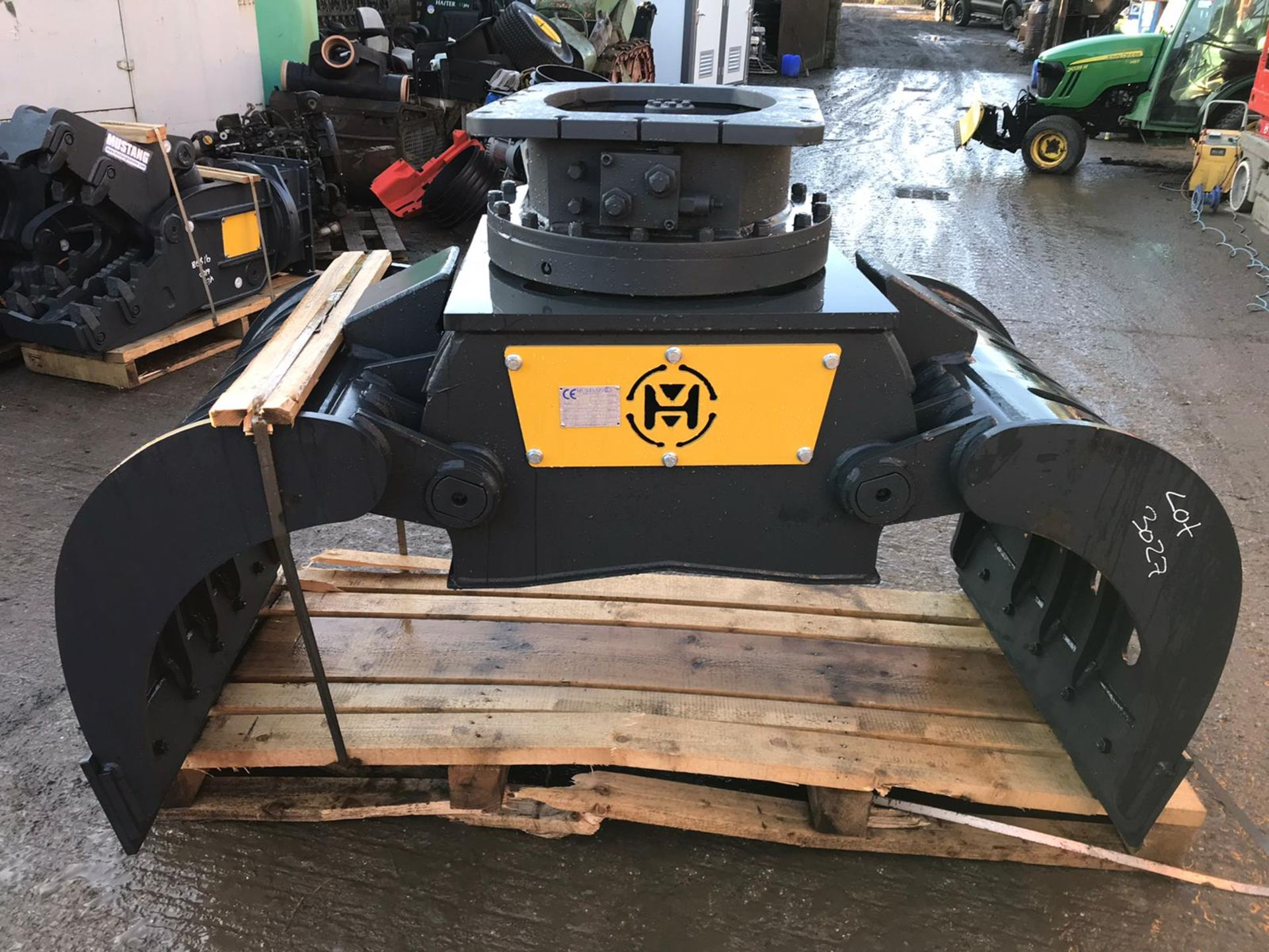 Lot 155 - MUSTANG GRP1000 ROTATING GRAPPLE, YEAR 2019, NEW AND UNUSED - TO SUIT 13-19 TON EXCAVATOR *PLUS VAT*