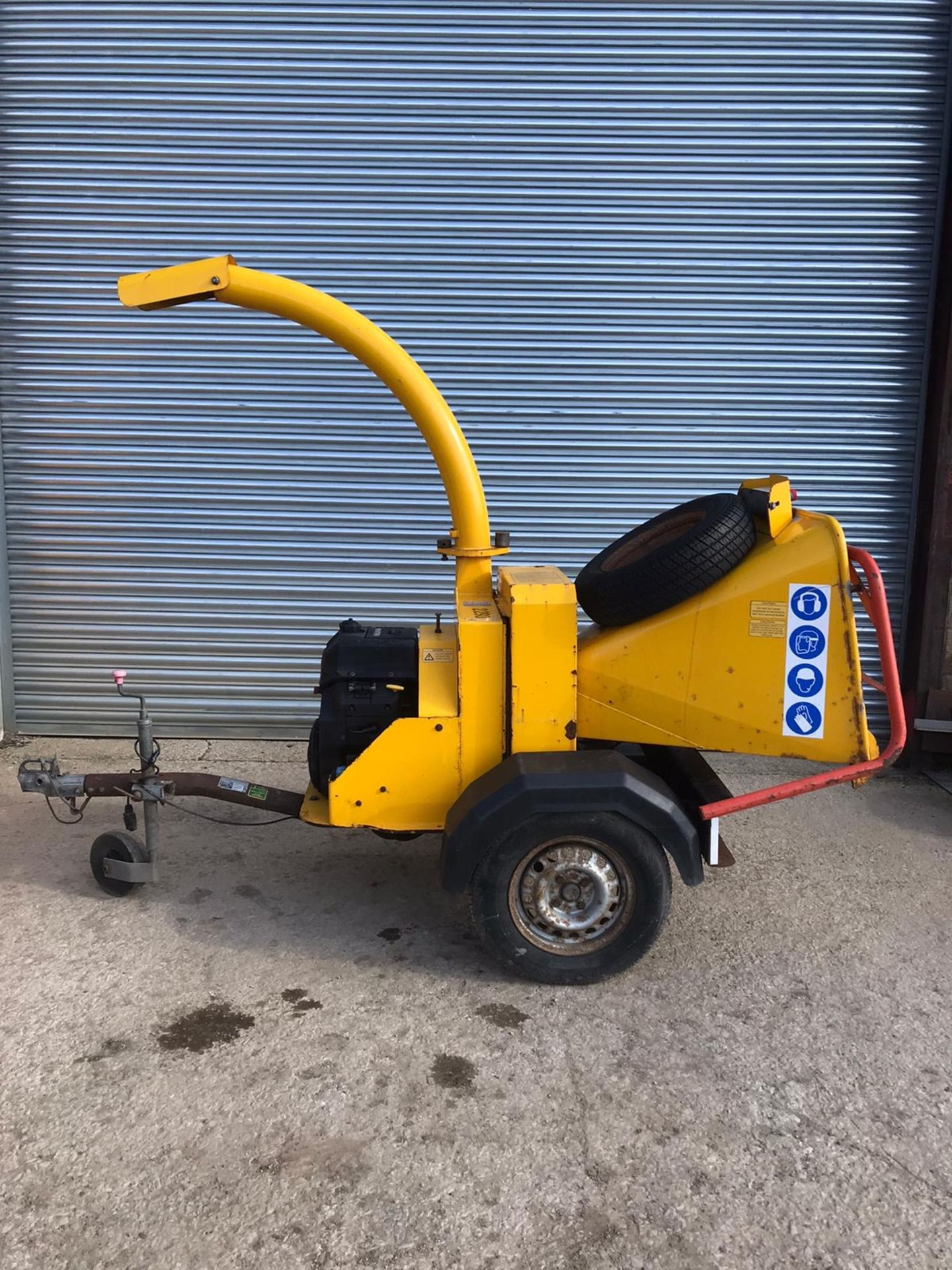 Lot 37 - NTECH / TIMBERWOLF TOWABLE SINGLE AXLE WOOD CHIPPER, RUNS, CHIPS AND STRESS CONTROL, WORKING ORDER