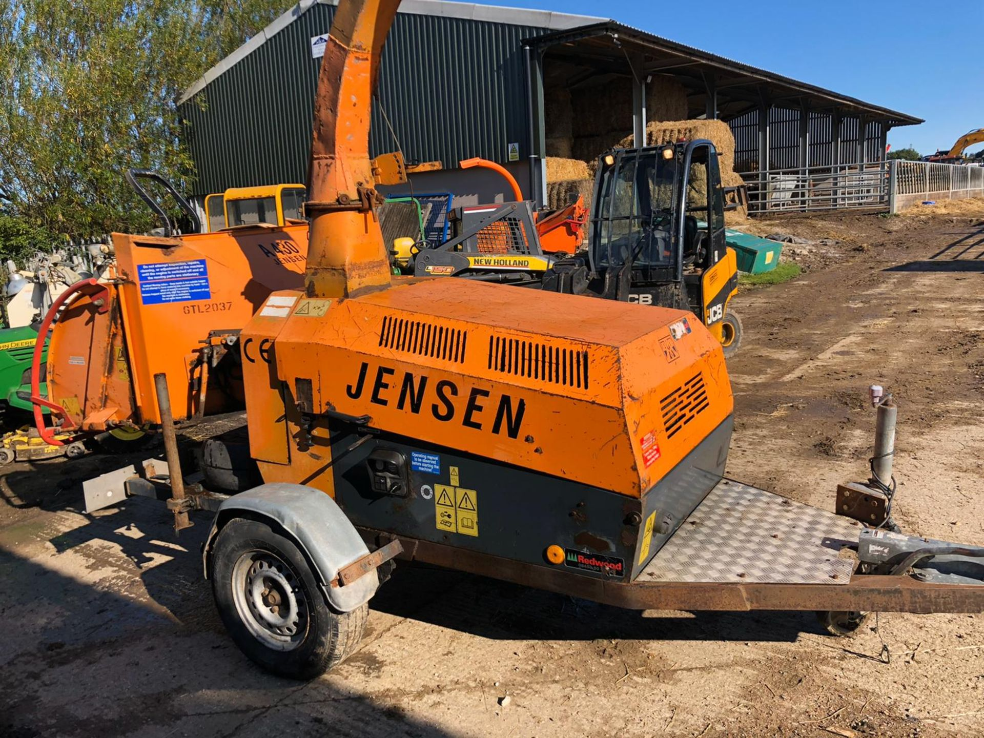 Lot 103 - JENSEN A430 SINGLE AXLE TOW-ABLE WOOD CHIPPER, RUNS, WORKS AND CHIPS, SHOWING 2769 HOURS *PLUS VAT*