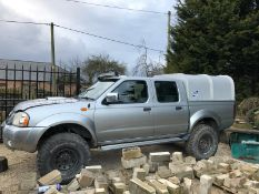 2005/55 REG NISSAN D22 2.5 DI 4X4 NAVARA PICK-UP, SHOWING 1 FORMER KEEPER *NO VAT*