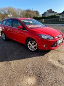 2014/64 REG FORD FOCUS TITANIUM NAVIGATOR 1.6 PETROL RED ESTATE, SHOWING 2 FORMER KEEPERS *NO VAT*