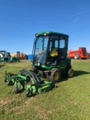 JOHN DEERE 1545 RIDE ON LAWN MOWER FULL GLASS CAB, RUNS, WORKS AND CUTS *PLUS VAT*