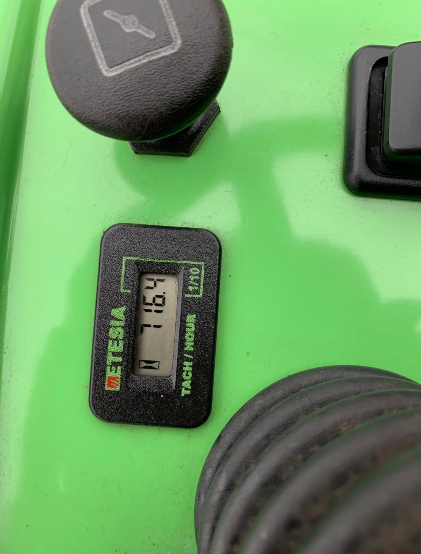 Lot 28 - ETESIA MVEHH HYDRO 100 RIDE-ON LAWN MOWER WITH HYDRAULIC COLLECTOR BOX *NO VAT*