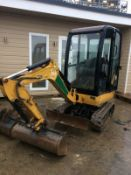 YEAR 2013 CATERPILLAR 1.5 TONNE TRACKED DIGGER / EXCAVATOR, 870 HOURS, SET OF BUCKETS *PLUS VAT*