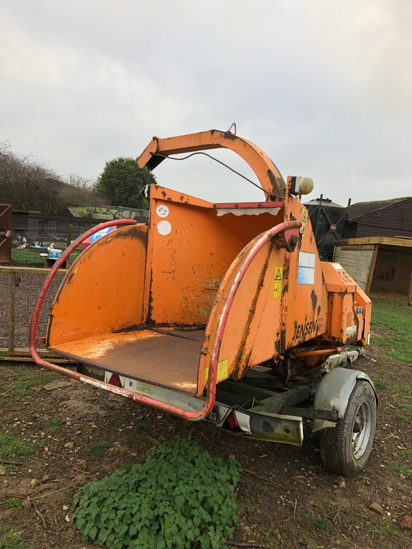 Los 508 - DS -QUALITY 2004 JENSEN DIESEL TURNTABLE CHIPPER, QUALITY TRAILER