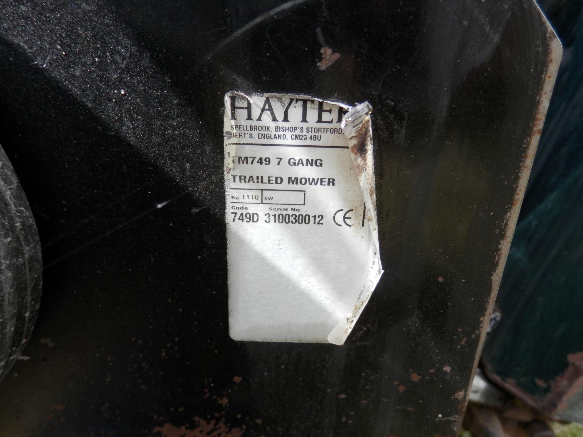 Los 519 - DS -2010 HAYTER TM749 TRAILERED 7 GANG MOWER. WORKING UNIT.  2010 TM749 MODEL. 7
