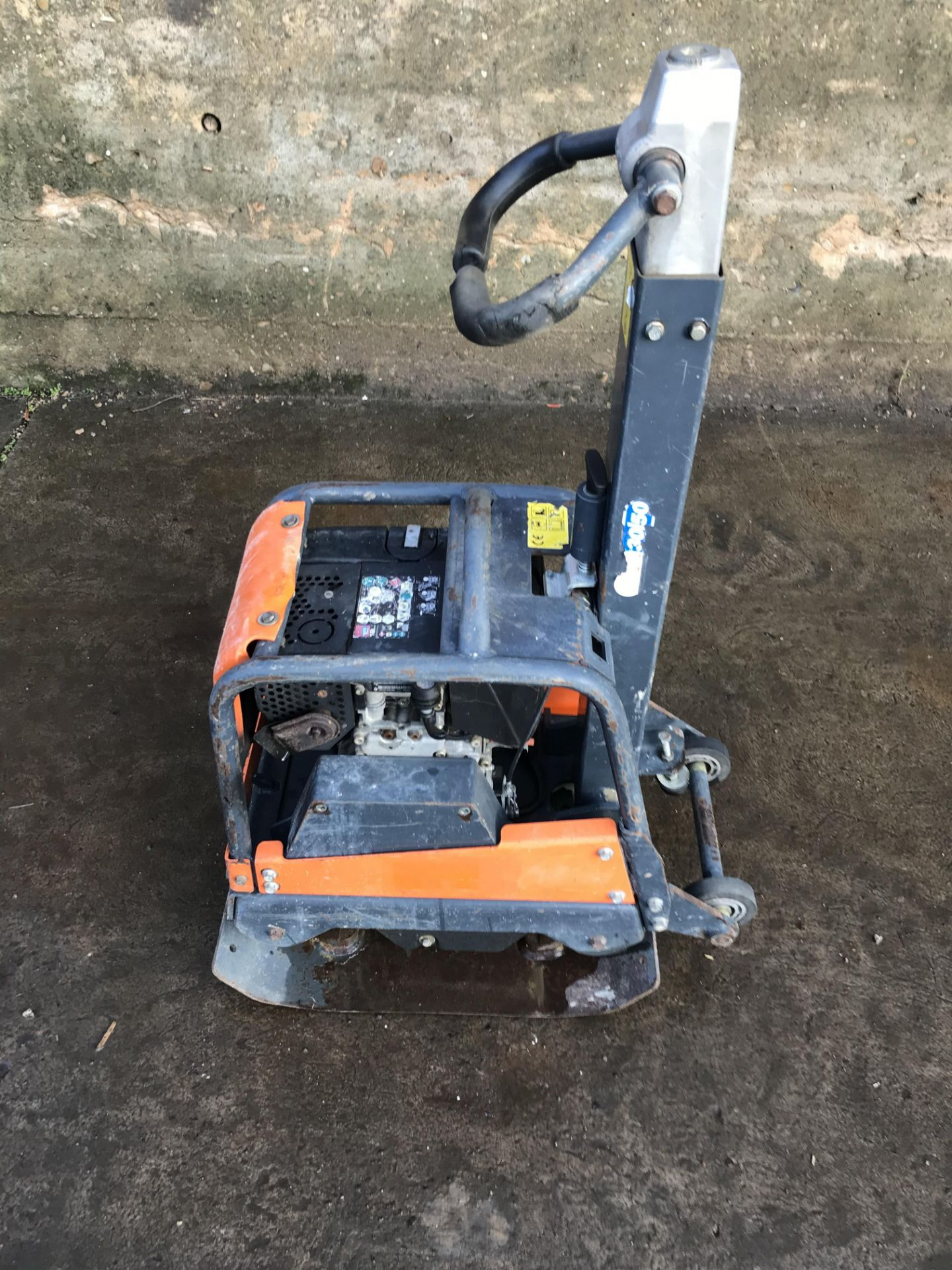 Los 40 - BELLE FORWARD AND REVERSE WACKER COMPACTION PLATE, YEAR 2013 *PLUS VAT*