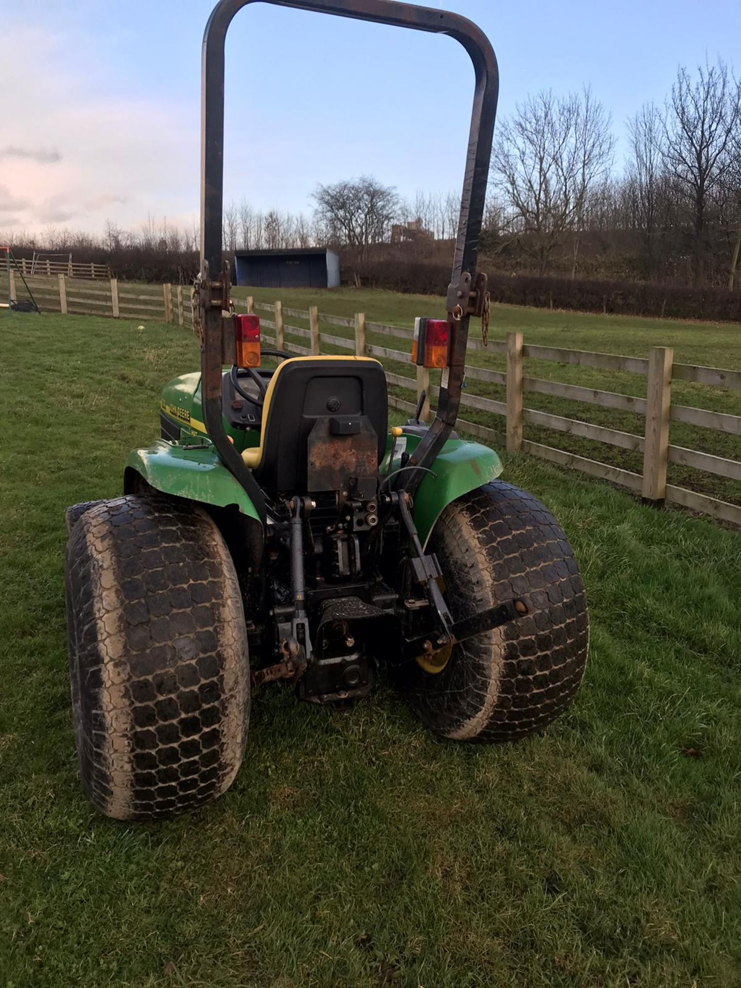 Los 109 - JOHN DEERE 4300 HST COMPACT TRACTOR 4WD, EX-COUNCIL, FIRST REG IN 2002 TO SOUTHERN DISTRICT COUNCIL